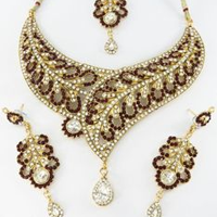Buying Wholesale Jewelry Is Not Just About Price Comparison
